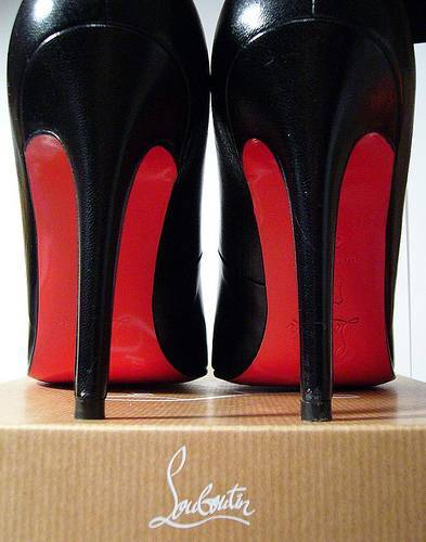 Chaussures Louboutin - Valeyoshino
