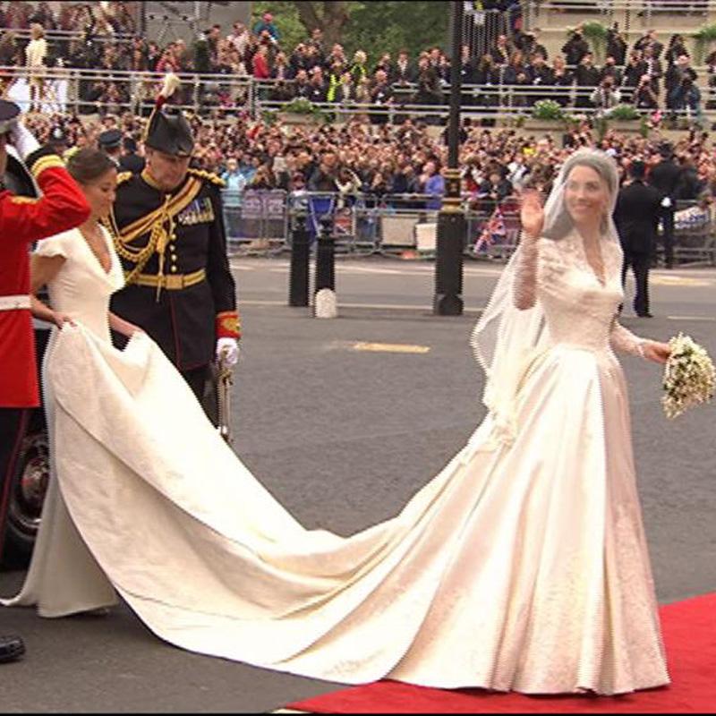 Kate sublime dans sa robe Alexander Mc Queen - Plurielles