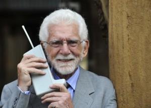 Martin Cooper, inventeur du 1er téléphone portable - Eloy Alonso, Reuters