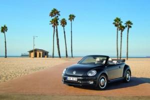publicité de la nouvelle coccinelle cabriolet 50's de Volkswagen sur la musique Sunny
