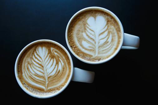 le latte art rencontre un grand succès à tel point quà Taïwan, la chaine de café Let's Cafe imprime les photos des clients dans al mousse de lait !