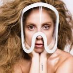 Lady Gaga prépare la sortie de son nouvel album ARTPOP et dévoile le clip qui accompagne le premier single Applause à la fois déjanté et fantaisiste