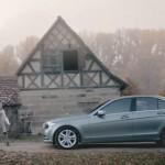 des étudiants allemands réalisent une fausse publicité pour Mercedes pour leur projet de fin d'études et créent le buzz sur la toile !