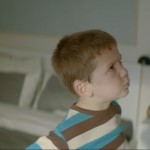 Dans un spot TV italien, IKEA met en scène un petit garçon impatient de grandir
