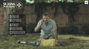 St John Ambulance sensibilise aux premiers secours avec un spot choc et percutant