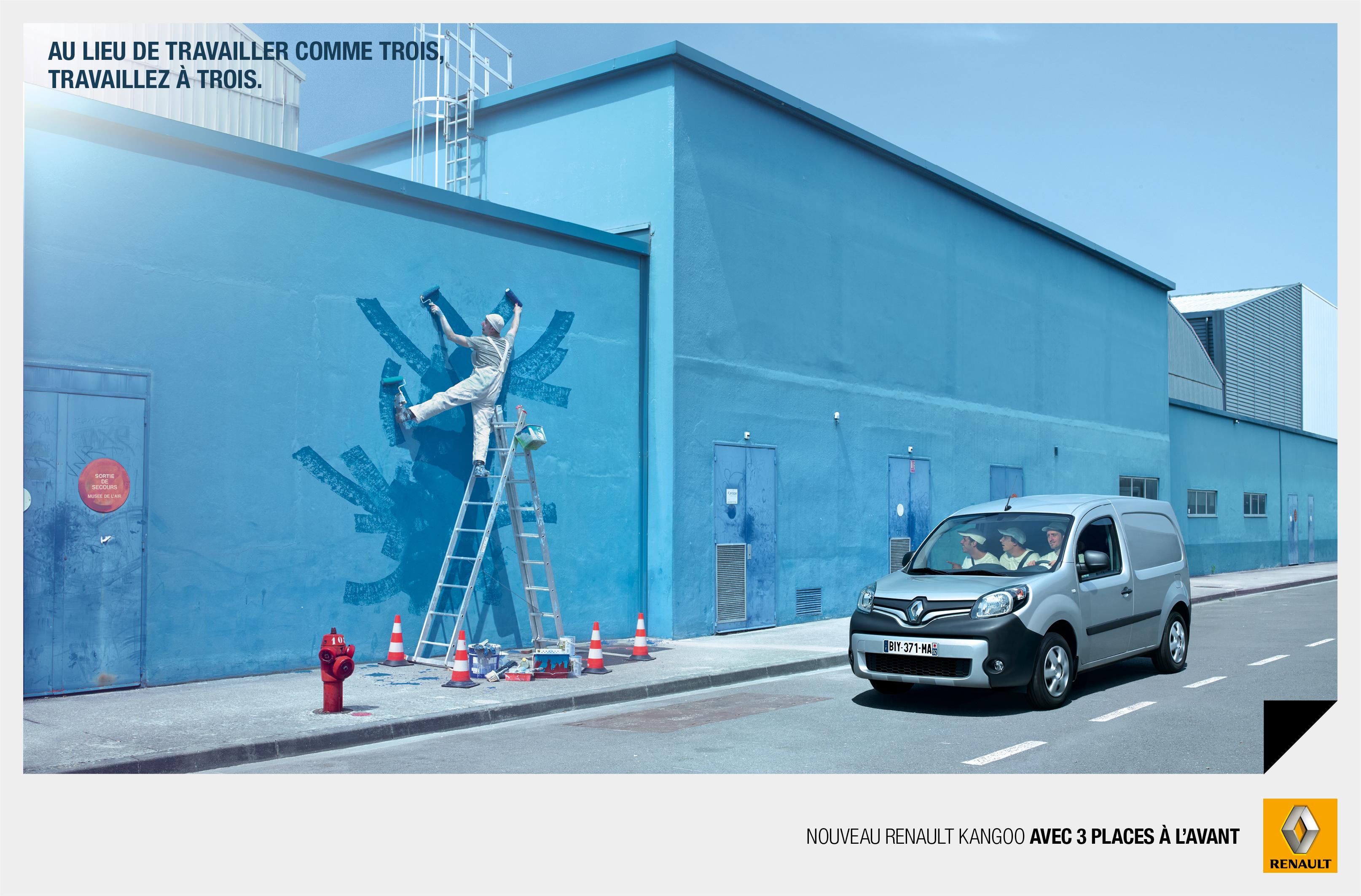 Le Renault Kangoo fait neuve en intégrant désormais non pas deux mais trois places à l'avant