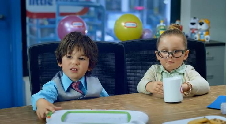 les enfants en réunion comme de vrais adultes