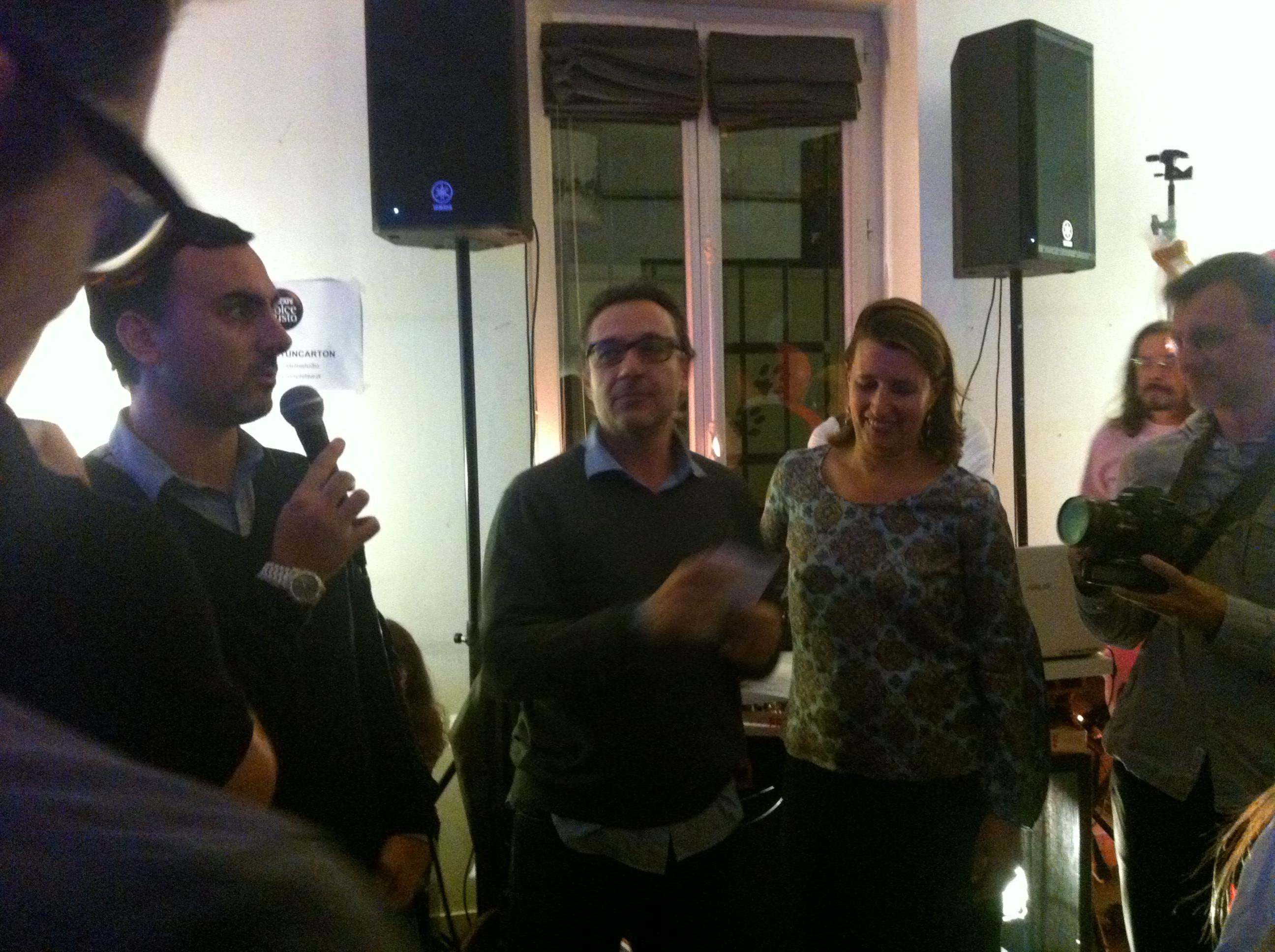 Dolce Gusto a organisé une crémaillère pour présenter sa nouvelle machine multi boisson, la Mini Me... Une soirée pleine de surprise pour une campagne décalée et anti-conformiste !