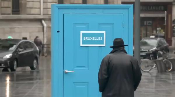 la SNCF innove avec une opération marketing originale ouvrant littéralement une porte sur l'Europe... Pour promouvoir ses petit prix !