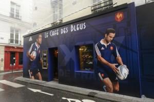 Le café des bleus à Paris