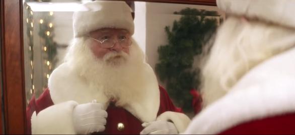 Un Santa plus vrai que nature pour le spot de Google Helpouts