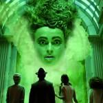 la chaine britannique revisite le conte d'Alice au pays des merveilles et s'inspire du monde excentrique de tim burton