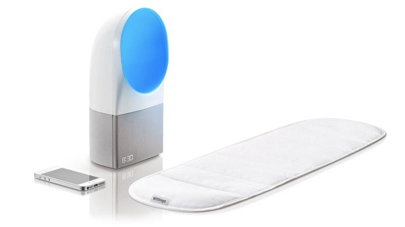 La société française Withings présente Aura, un système de réveil intelligent pour améliorer son sommeil