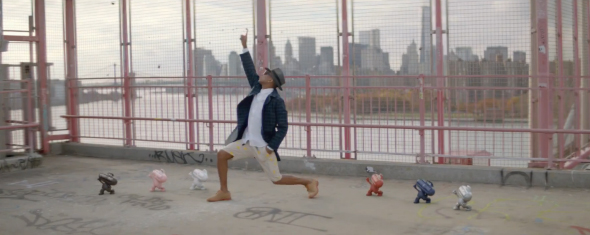 les beats pills s'incrustent dans le clip de Pharrell William Happy