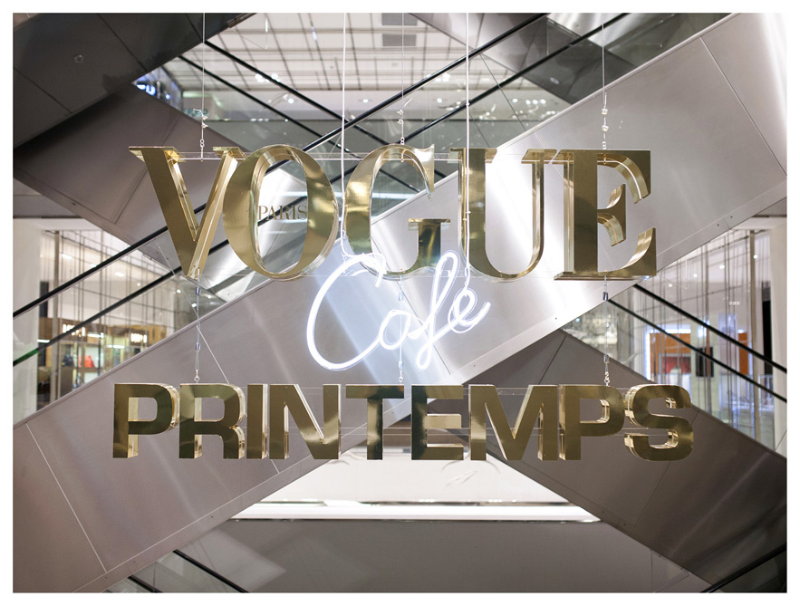 vogue lance son café mode au printemps haussman à paris