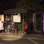 un abribus se transforme en boîte de nuit pour promouvoir l'offre concerts