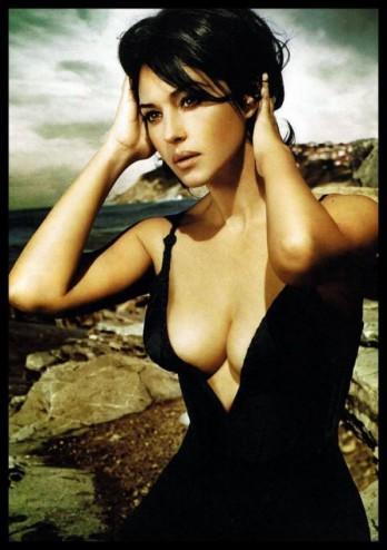 Monica Belluci élue personnalité au plus beau décolleté