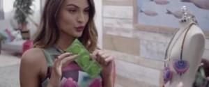 pour célébrer la fête des mère Desigual met en scène une jeune femme qui perce des préservatifs pour tomber enceinte... Un bad buzz sur la toile
