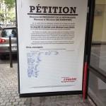 une pétition mise en place par le journal l'équipe et ddv paris sur les abribus et en ligne