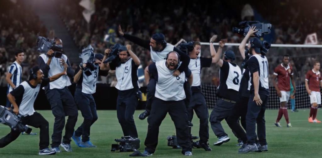 les cameramen de canal + célèbre la victoire comme s'ils y avaient contribué
