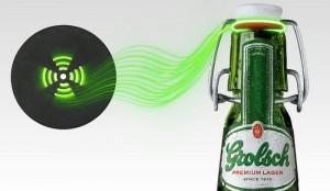 Heads and Hands ont intégré un beacon dans la capsule de la bière Grolsch qui permet dactiver un film gratuit dès quelle rentre en contact avec l ordinateur