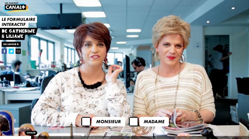 catherine et liliane accompagnent les futurs abonnés dans le remplissage du formulaire d'inscription à canal plus