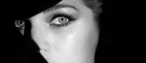 un film en noir et blanc à la fois mystique et sensuel