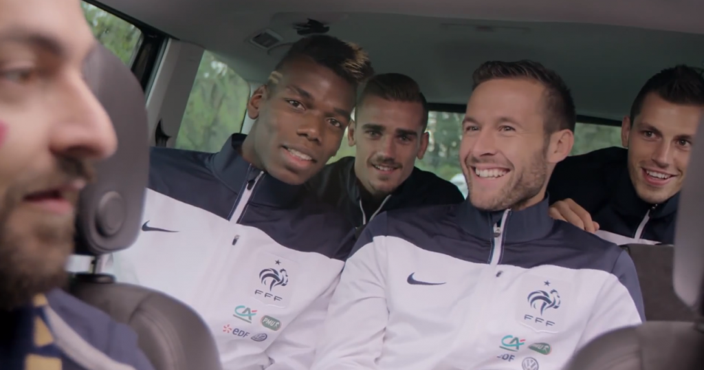 un spot promotionnel où le supporter a la surprise de faire du covoiturage avec l'équipe de france de football