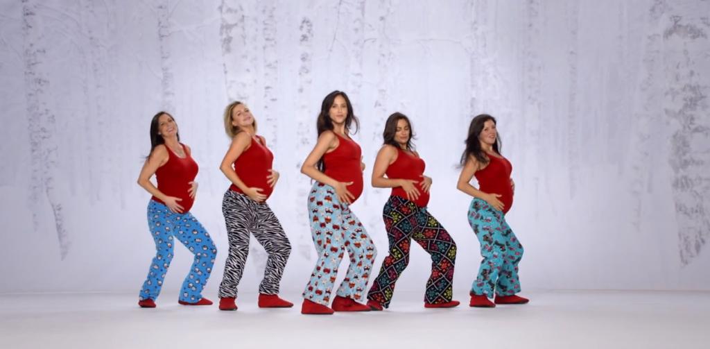 fières de leurs ventres, elles dansent en pyjama pour Kmart