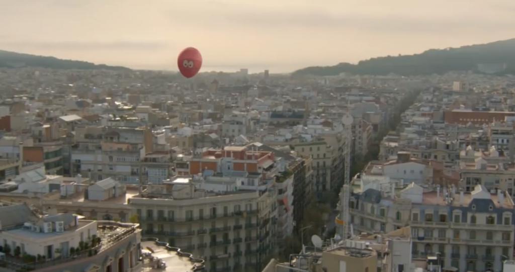 publicis conseil nous fait suivre le périple du ballon rose à travers la ville
