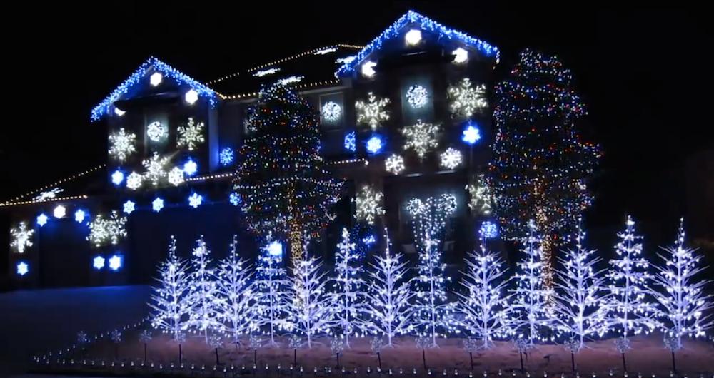 une installation de 25000 ampoules synchronisée sur let it go