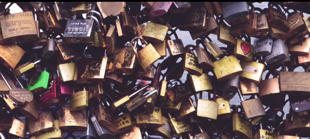 plus de 40 000 cadenas ont été photographiés, peut-être arriverez-vous à retrouver le votre !