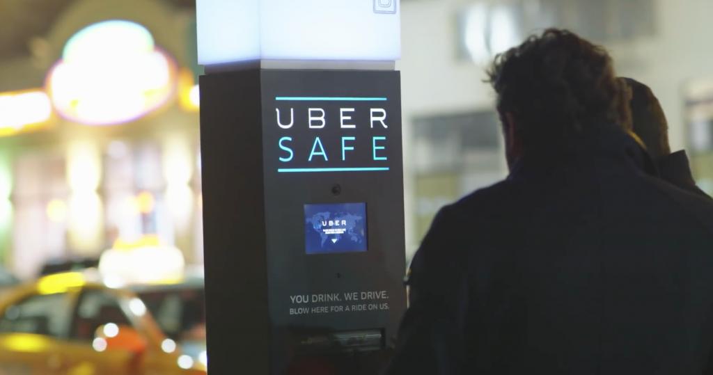 Uber a installé une borne Uber Safe  au Canada afin de raccompagner les personnes qui ont trop bu