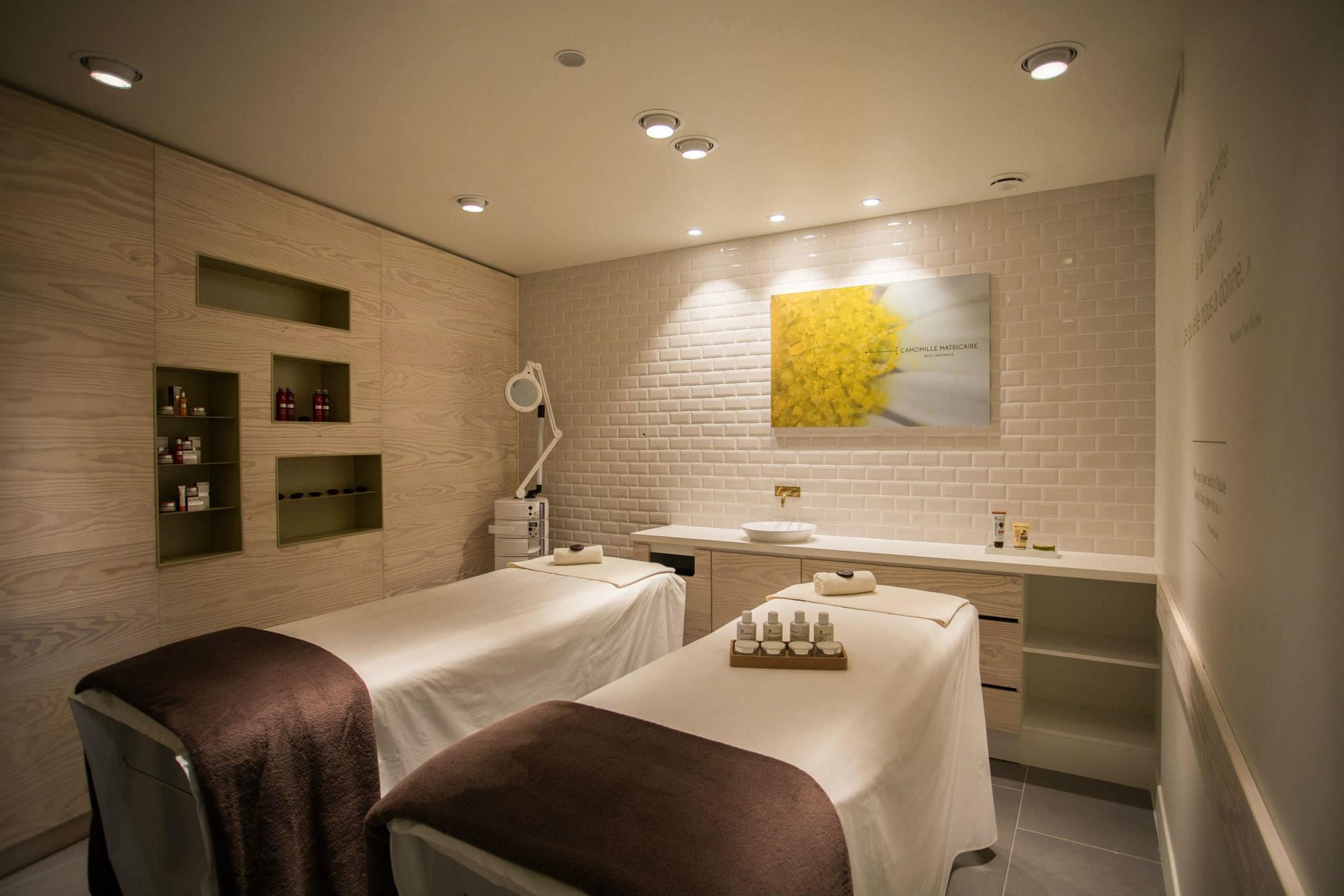 le Beauty Spa vous accueille au sous sol pour un moment de détente zen et intimiste