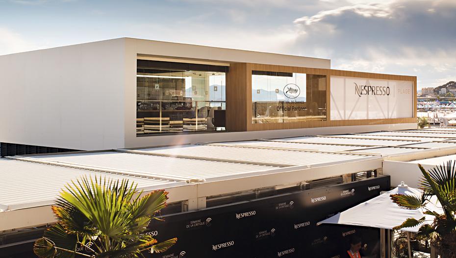 Pour le Festival de Cannes, Nespresso ouvre une plage privée éphémère