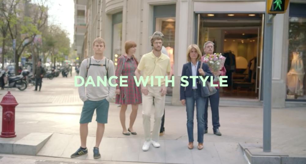 Hollywood met en scène ses chewing gum Style pour nous faire danser