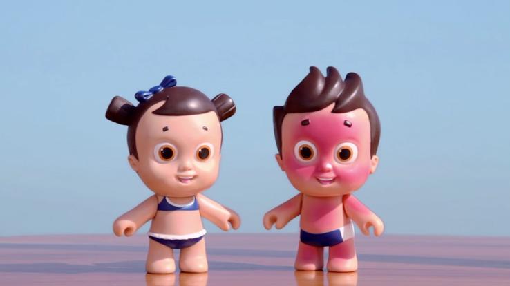 Nivea a distribué des Nivea Doll sur la plage au Brésil