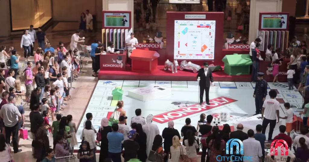 Tout l'univers de Monopoly était présent pour plonger les clients dans le jeu de société