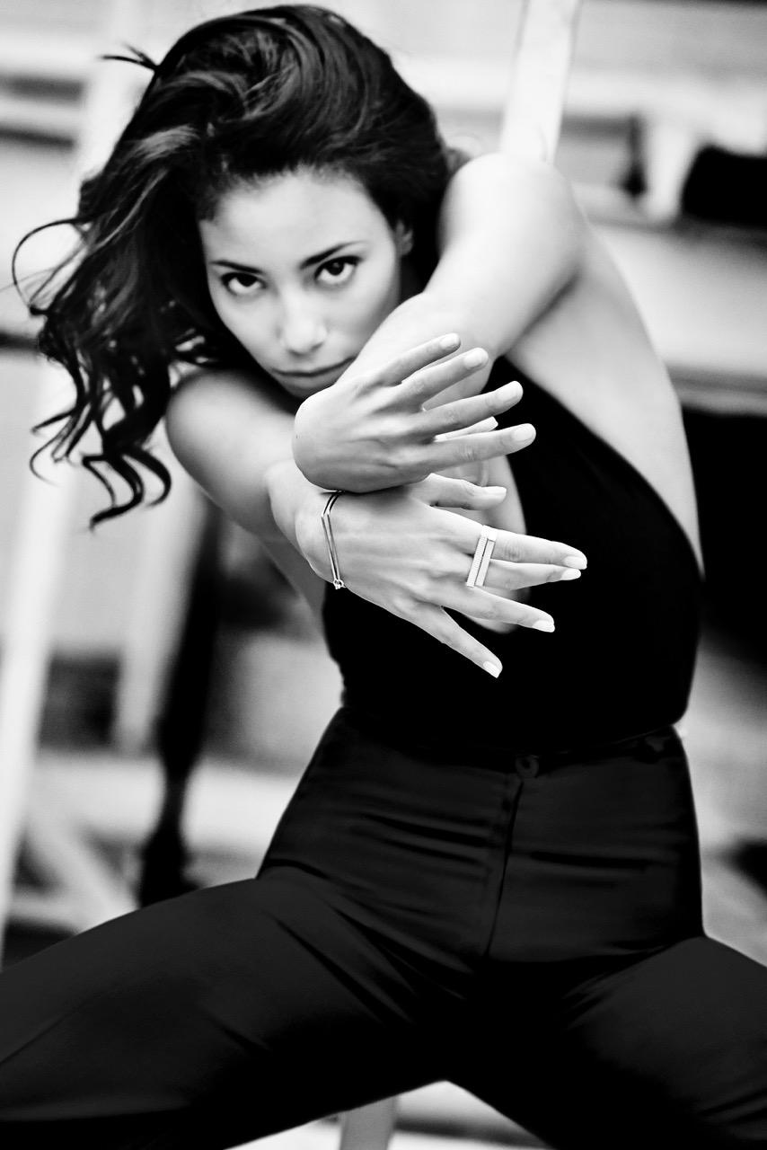 Ginette NY dévoile sa campagne 2015 Flow avec la danseuse Hajiba Fahmy