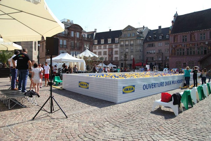 Une installation insolite signée Ubi Bene pour Ikea