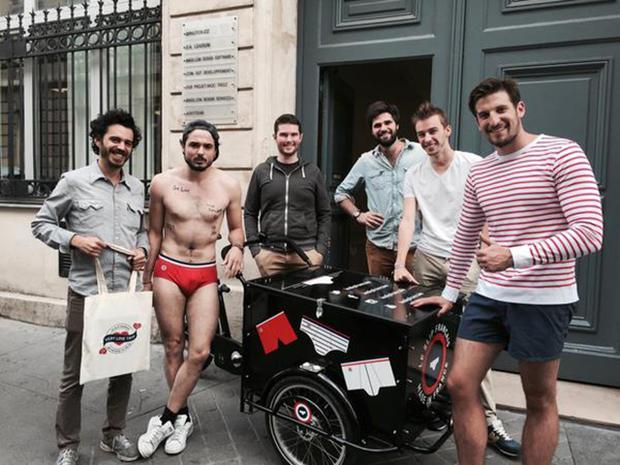 Le Slip Français a offert une livraison originale aux parisiens pour le 14 juillet
