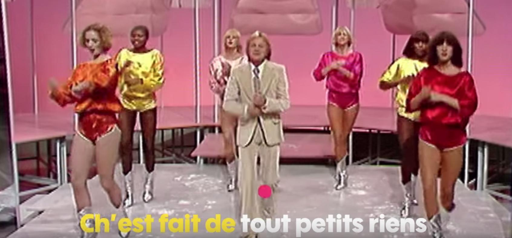 Claude François nous offre une version fourchue de son célèbre titre Chanson Populaire