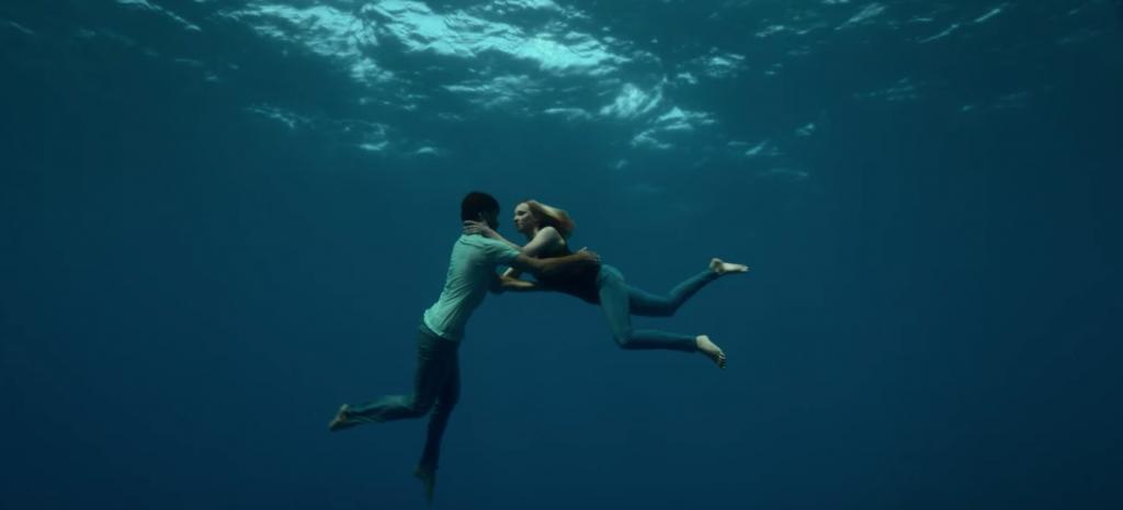 Guillaume Néry et Alice Modolo évoluent avec grâce et volupté sous l'eau comme s'ils étaient sur terre