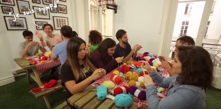 Innocent vous propose des patrons à télécharger sur son site pour vous aider à tricoter