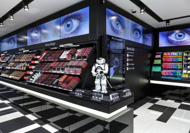 Sephora ouvre un nouveau concept de magasin connecté à Paris