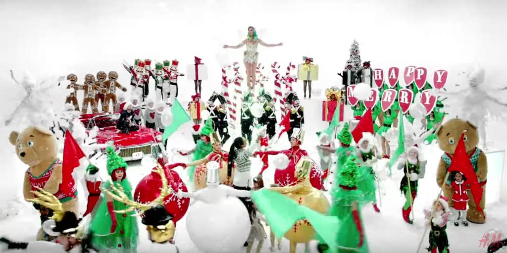 Une jolie parade enchanteresse qui donne envie d'être déjà à Noël