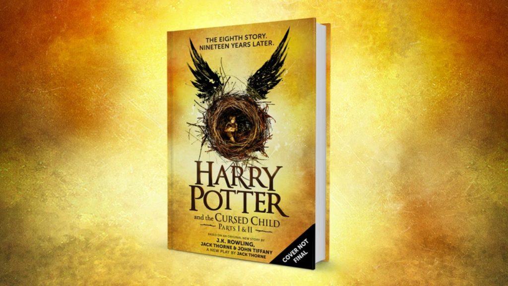 La suite des aventures du sorcier à lunette est disponible en anglais dans les librairie ! Il faudra attendre le 14 octobre pour la version française
