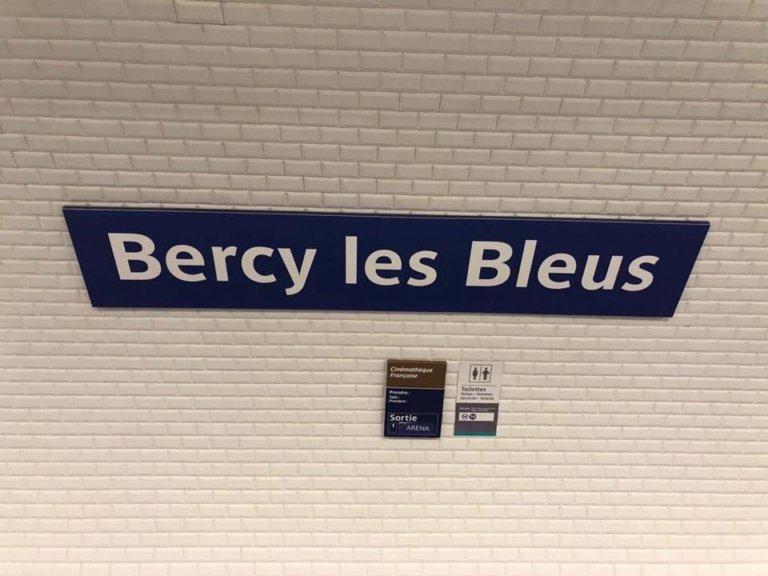 """la station Bercy a été renommée """"Bercy les Bleus"""""""