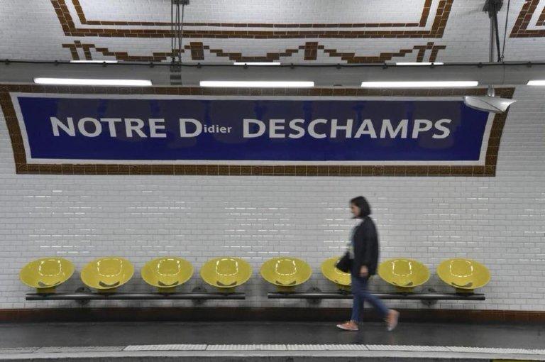 """a stationNotre-Dame des Champs est devenue """"Notre Didier Deschamps"""""""