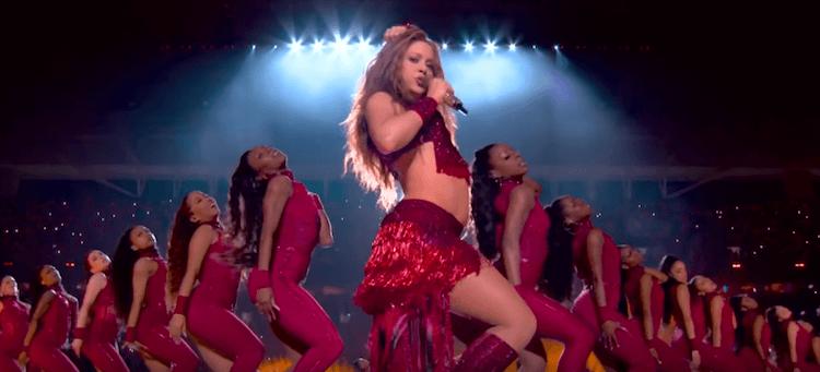 Shakira a ouvert le bal avec un medley de ses plus grand tubes